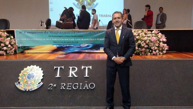 Rogério Gomez em congresso da magistratura laboral em São Paulo.